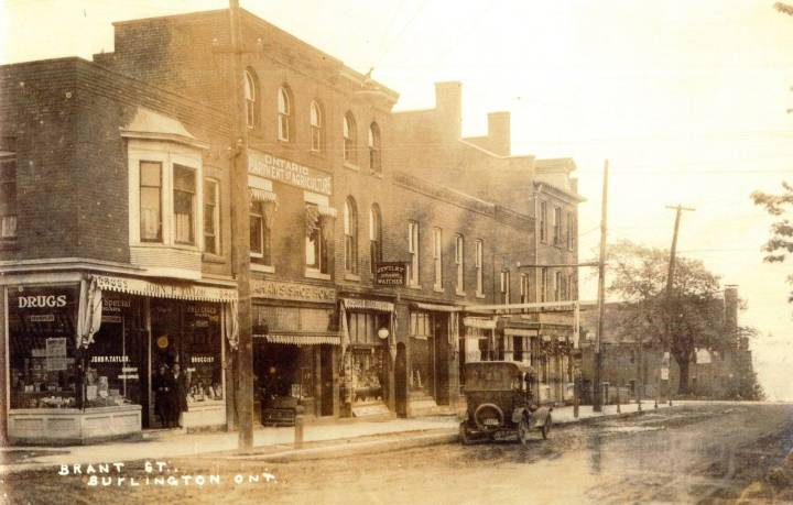 Brant St after rain 1919