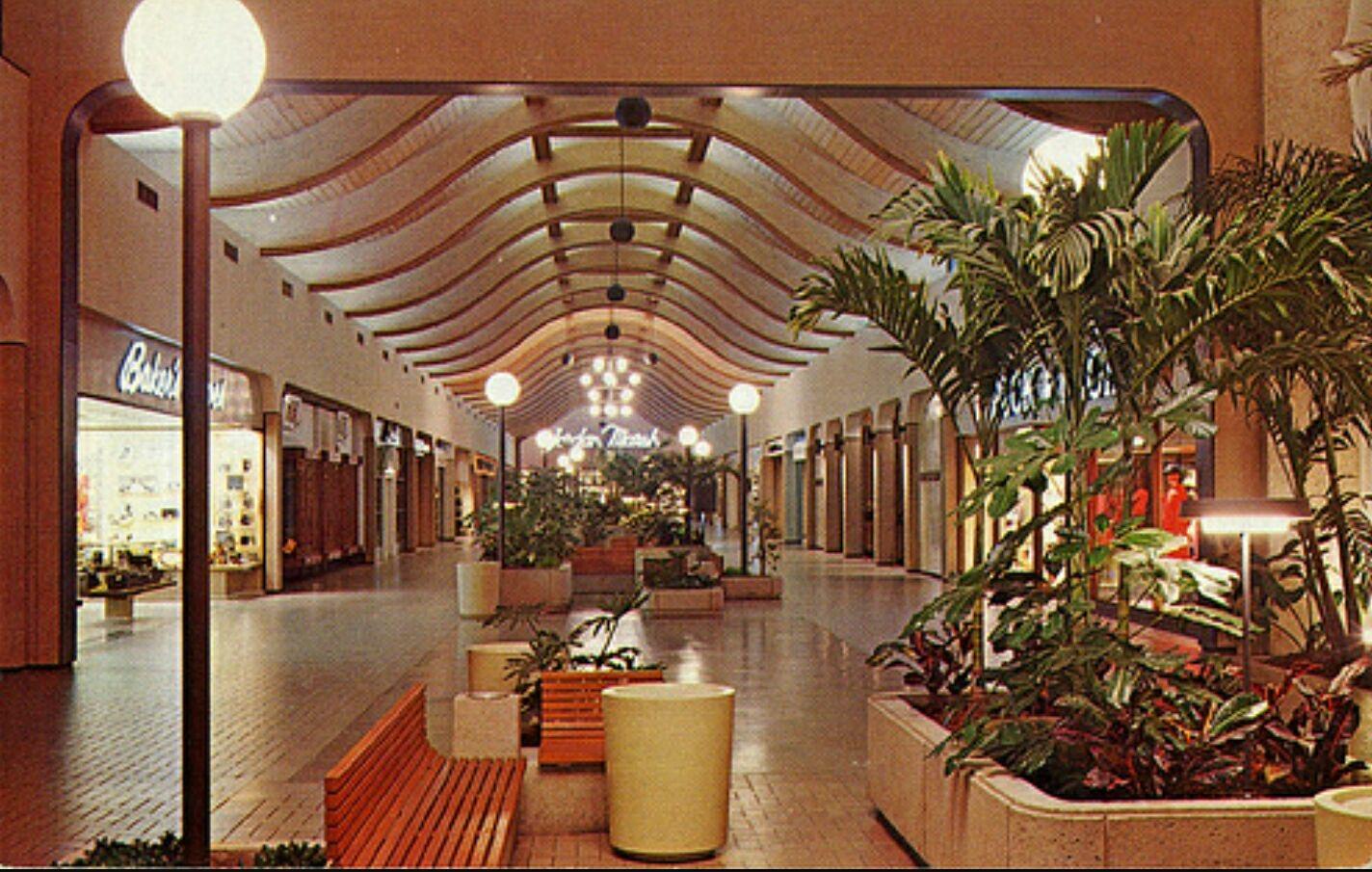 Original one-floor Burlington Mall
