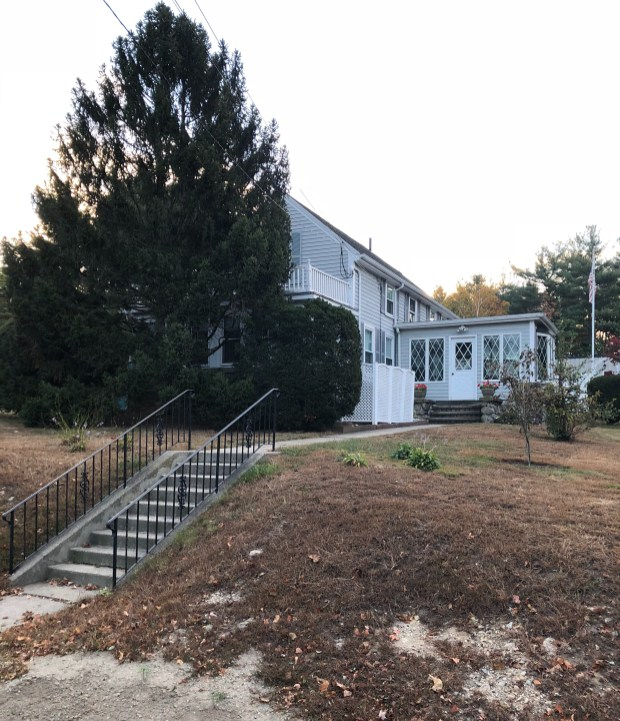 14 Wilmington Road, Burlington, MA 2017