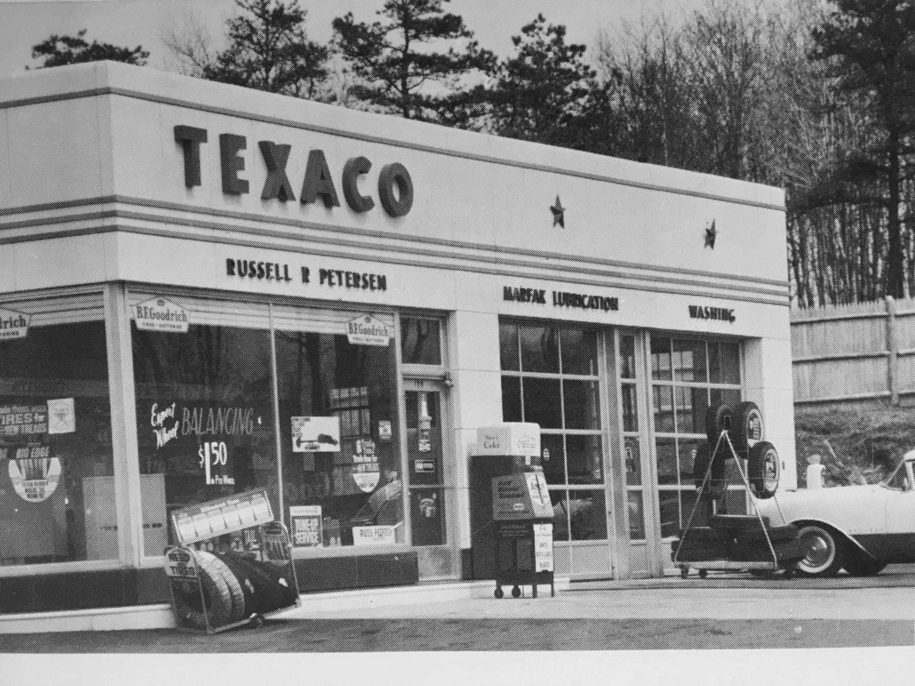 Russ' Texaco, 1963