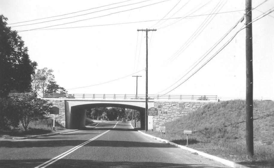 Route 128 overpass at Winn Street Burlington MA