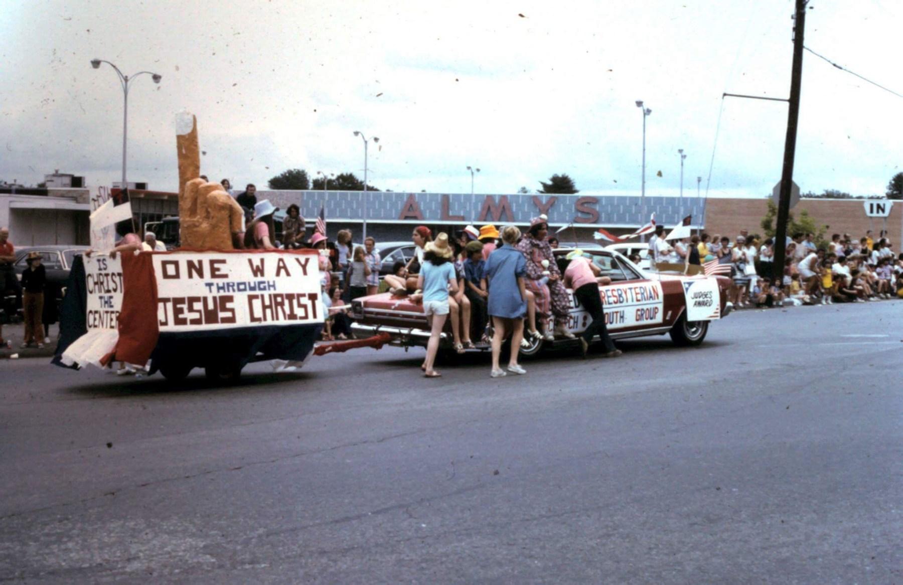 Presbyterian Church parade float 3