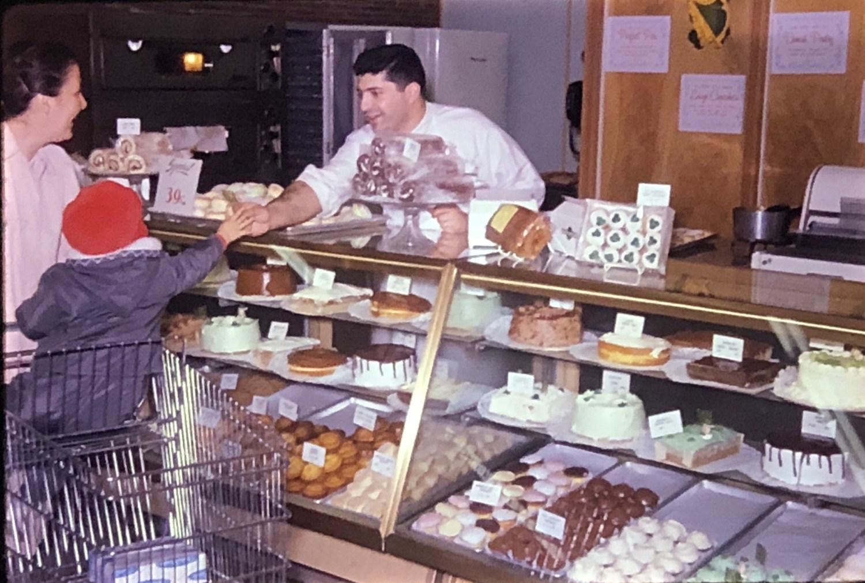 IGA Foodliner baker Burlington MA 1962