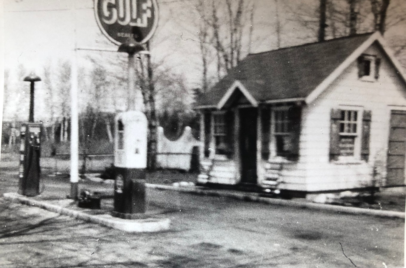 Late 1940s: Gulf station near current location of Burlington House of Pizza, Cambridge St Burlington MA