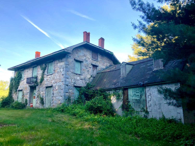 Kent Cottage front 1 Burlington MA. Photo credit: Robert Fahey