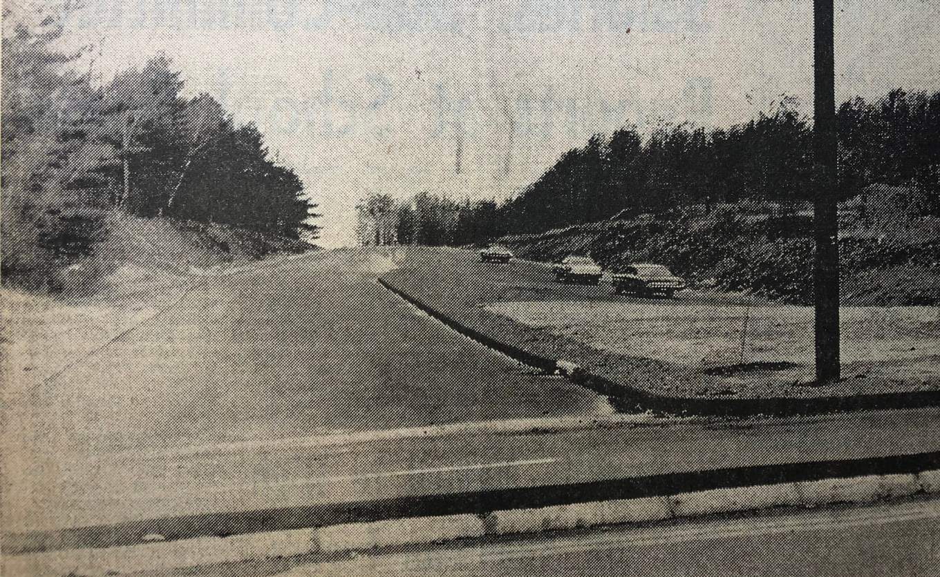 Burlington Mall Road on day one, Nov. 26, 1968
