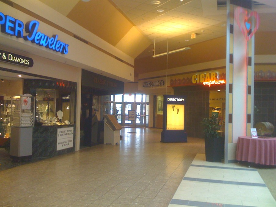 Woburn Mall 2001