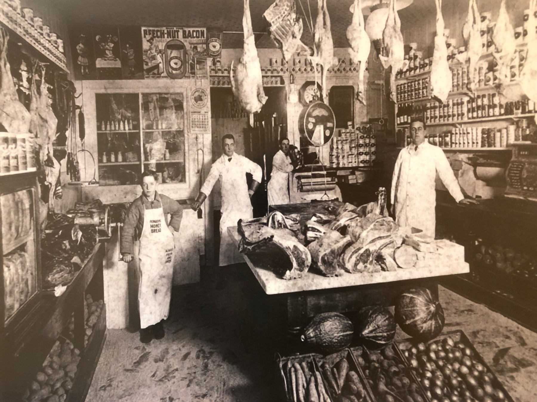 Linnell Market, downtown Woburn, 1913