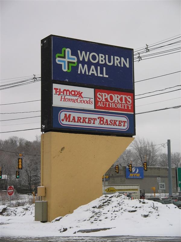 Woburn Mall sign