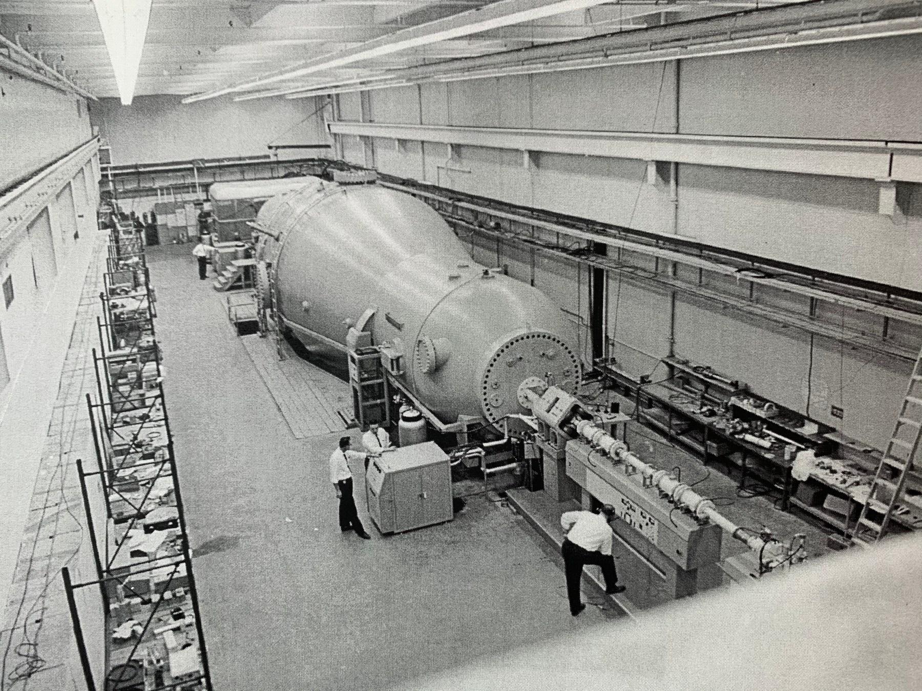 High Voltage Engineering heavy ion tandem Van de Graaff accelerator test