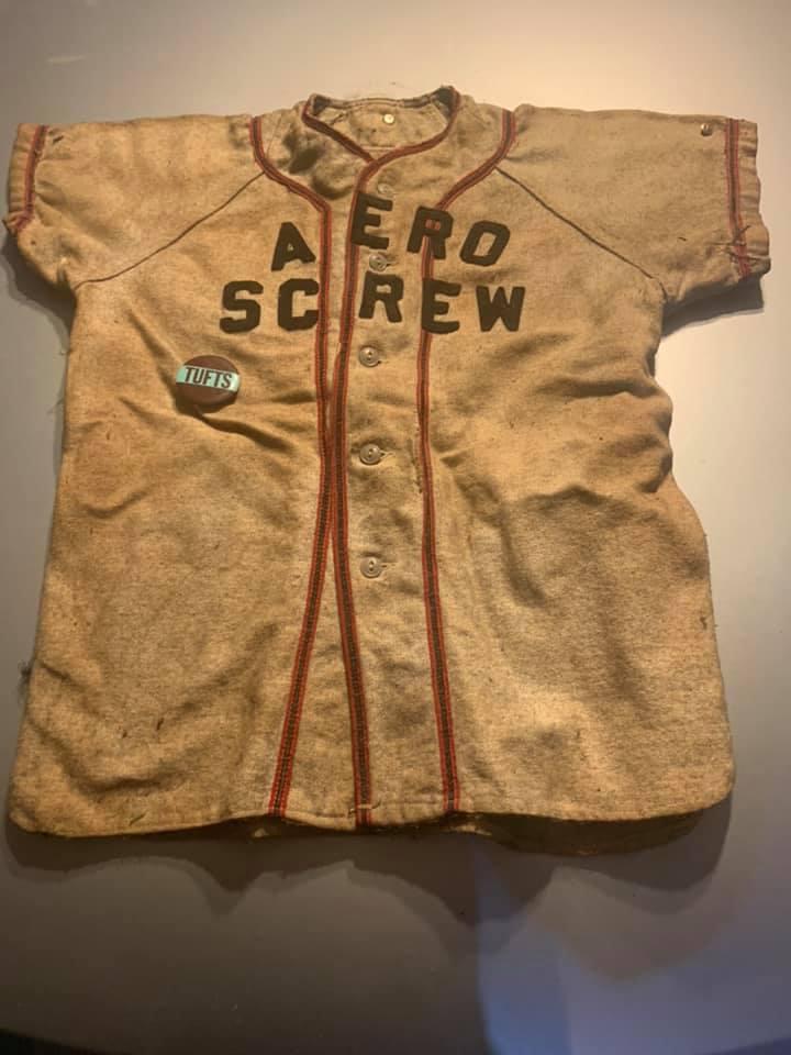 Aero Screw jersey, Burlington MA. Photo credit: Paul Luti