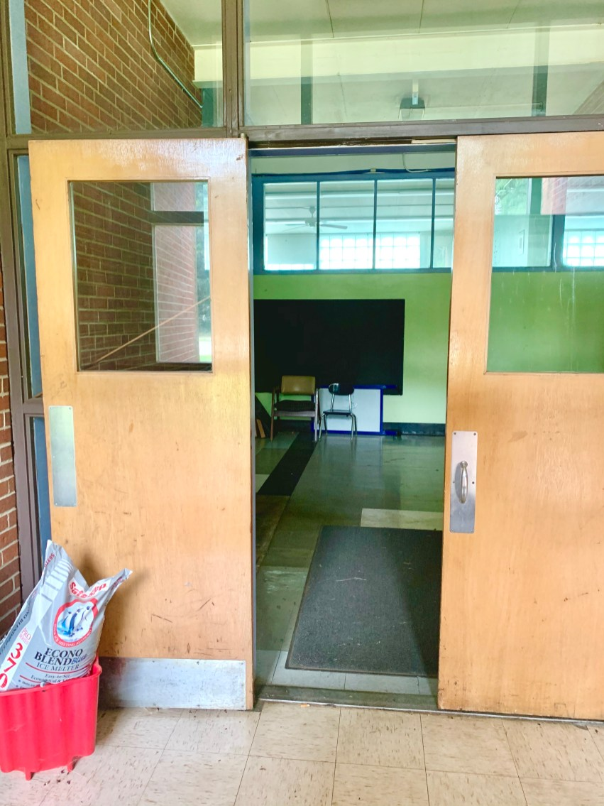 Daniel P. Hurld Elementary School 17 Woburn MA