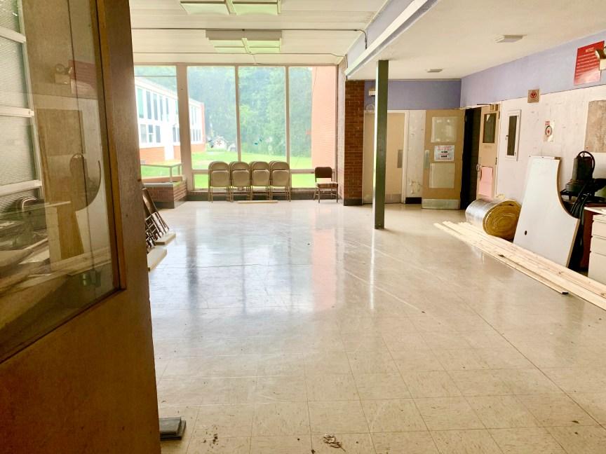 Daniel P. Hurld Elementary School 10 Woburn MA