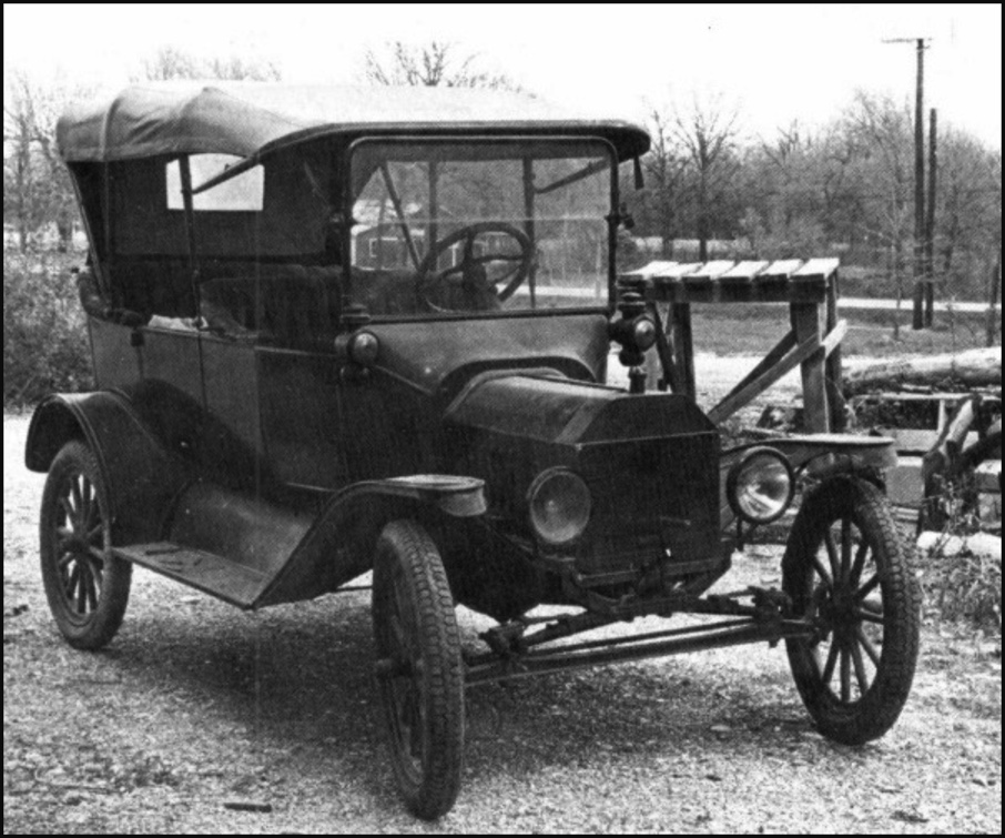 1916 Ford Touring car with winter top