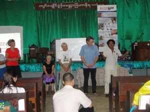 ငှက်ဖျားရောဂါတိုက်ဖျက်ရေးသင်တန်းပြုလုပ်နေစဉ်(Ngwe Moe)