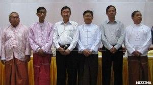 မွန်ပြည်သစ်ပါတီနှင့်မြန်မာအစိုးရကိုယ်စားလှယ်တို့အမှတ်တရဓါတ်ပုံ(Facebook)