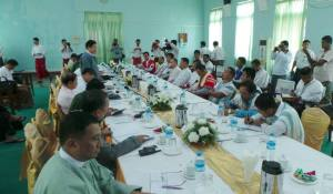 အပစ်အခတ်ရပ်အဖွဲ့ ၄ ဖွဲ့နှင့် ဝန်ကြီးဦးအောင်မင်း တွေ့ဆုံဆွေးနွေးပွဲ(Hla Mg Shwe)
