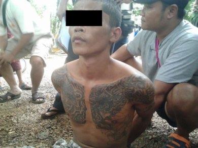 ဘုရားသုံးဆူ၌ဖမ်းဆီးရမိသော ဆိုင်ကယ်သူခိုးဟုယူဆရသူနှစ်ဦး(Facebook)