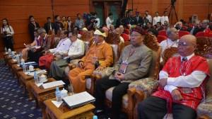 ၂၁ ရာစုပင်လုံ(ပထမအစည်းအဝေး) တွင် EAO's ခေါင်းဆောင်များတွေ့ရစဉ်(BNA)