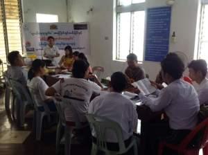 မွန်ပြည်နယ်လူငယ်မူဝါဒရေးရာ အလုပ်ရုံးဆွေးနွေးပွဲ ကျင်းပခဲ့စဉ် (Ma Khine Facebook)