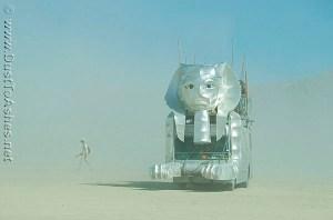 Burning-Man-2007-Egyptian-theme-Sphinx-Mutant-Vehicle-Mobile-Art-car-in-dust-storm