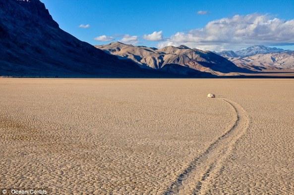 sailing stones playa track