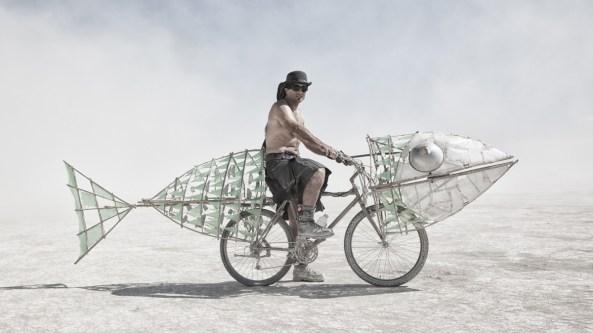 2014 fish-bike-dust-playa