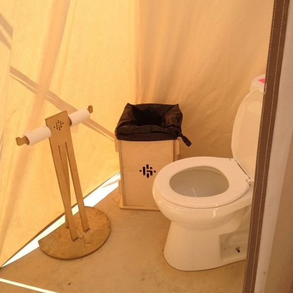 2014 lost hotel bathroom