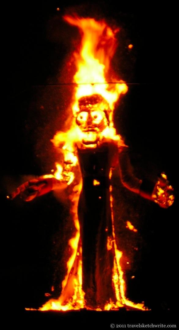 4-Zozobra_burning