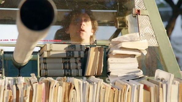 book tank face