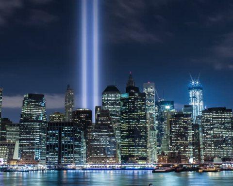 World Trade Center, Twin Towers: Lights Shining