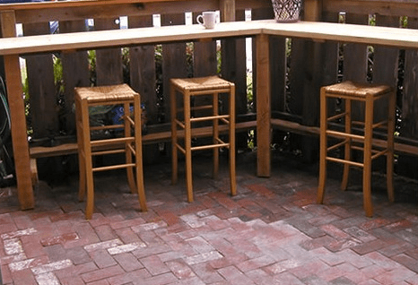 The outdoor patio at Detox draws in customers no more