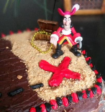 Fantastic Easy Pirate Birthday Cake With Hidden Treasures Arrr Burnt Apple Birthday Cards Printable Trancafe Filternl