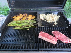 Grill basket and tray
