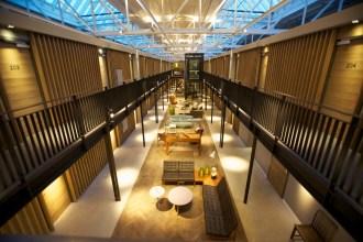04. Hal 1- Hotel 023