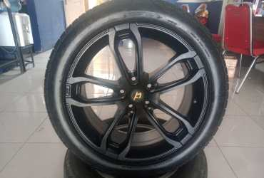 Velg racing ring18 pcd5x114,3 black ban hanya pemanis