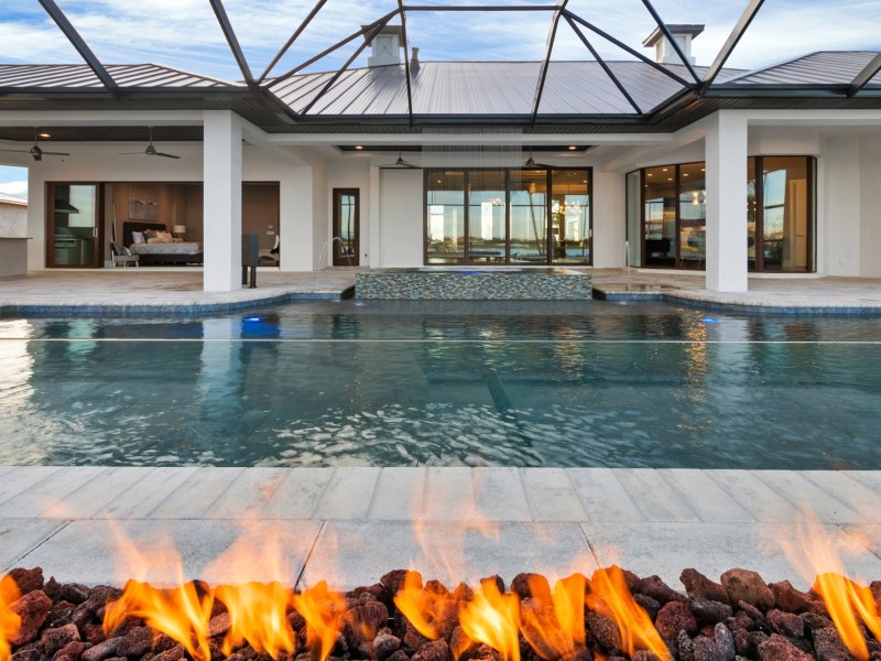 Pool_1D_Fire_Feature_-3_52