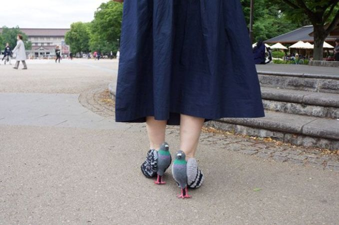 Sepatu Burung Merpati tampak belakang (Boredpanda.com)