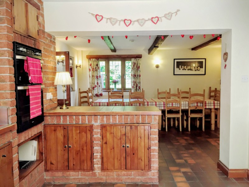Country Kitchen Dining for 12 people Bristol