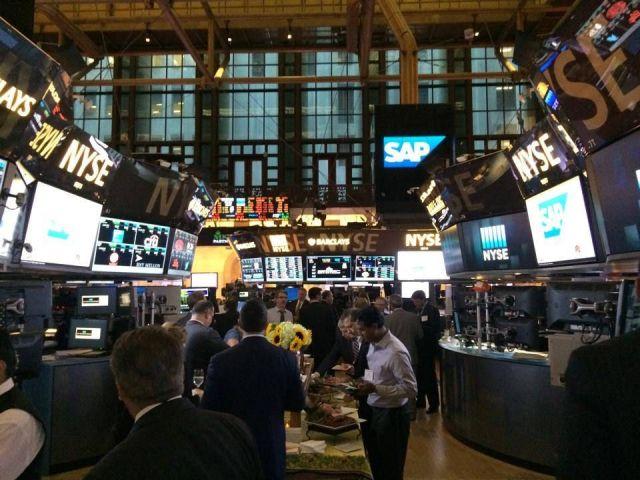 nyse-stocksmarket-exchange-trading-zdroj-Christine-Puccio