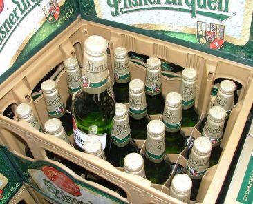 pilsnerurquel-beer-alcohol-drinking-zdrojw4t-2