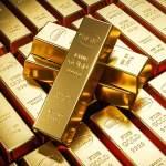 Zlato a stříbro letos zlevnilo, platina, měď či ropa zdražily