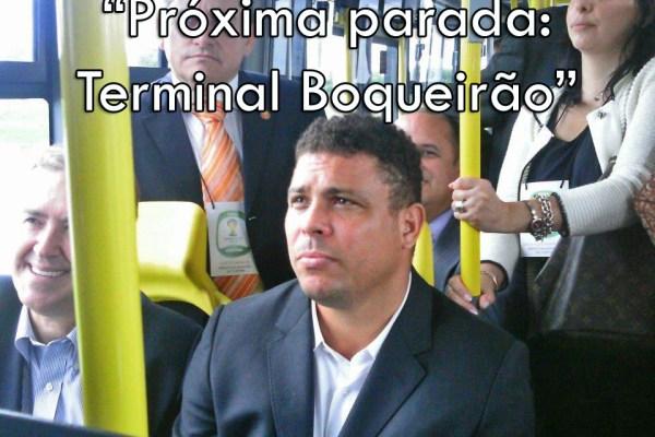Ronaldo anda de Busão em Curitiba