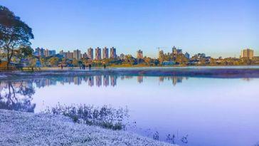 Curitiba tem dia mais frio do ano e interior marca de -7° C