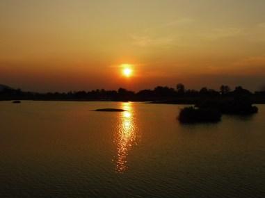 Atardecer sobre el Mekong
