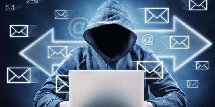 En este momento estás viendo Hackers aprovechan vulnerabilidad de Outlook para robar criptomonedas