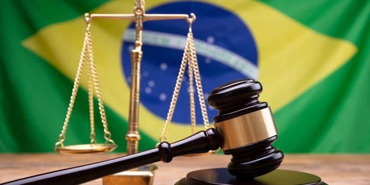 En este momento estás viendo Tribunal brasileño ordena a 21 criptobolsas informar sobre operaciones de una empresa