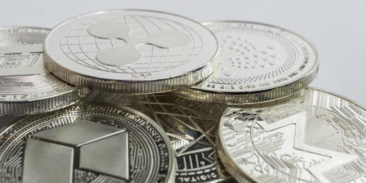 En este momento estás viendo Inversionistas institucionales están migrando a altcoins, según un informe de Grayscale