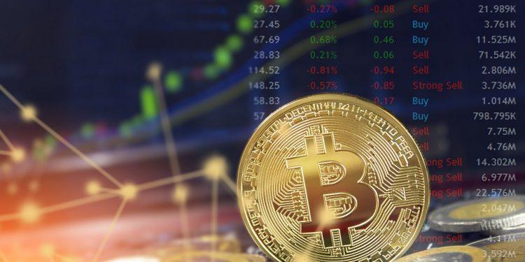 En este momento estás viendo Volumen de intercambios con bitcoin en el mercado supera su récord anterior