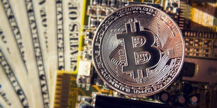 En este momento estás viendo Facebook y caída del dólar: posibles razones del aumento de precio de bitcoin